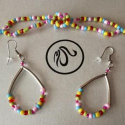 Pulsera Collar Y Pendientes Multicolor.