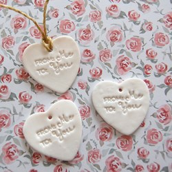 "3 Corazones para regalar ""From me to you"""
