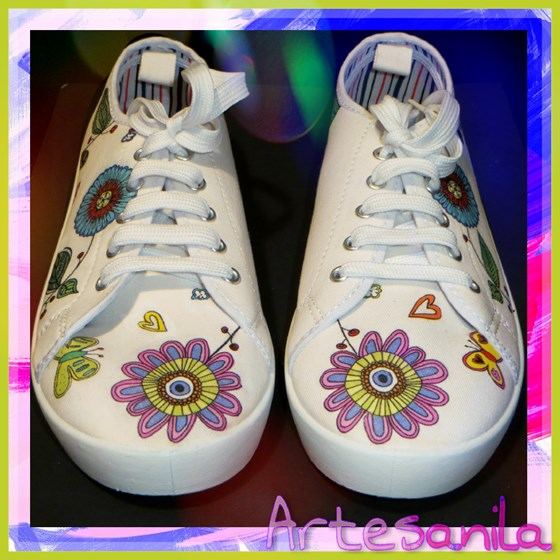 Zapatillas de lona decoradas a mano
