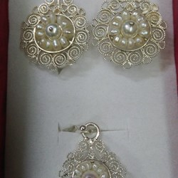 Silver Set of earrings and Filigree pendant