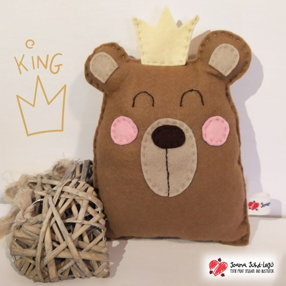 Muñeco de fieltro King bear