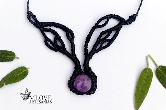 Collar árbol con amatista. Spiritual Jewerly. Necklace with stone. Collar macrame.