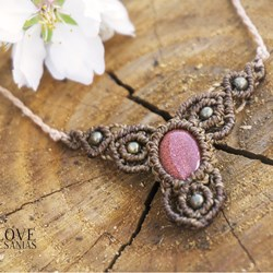 Collar goldstone.