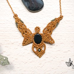 Collar Onix Negro. Macrame necklace. Macrame jewelry. Gemstones.