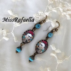 Pendientes Frida Khalo con swarovski elements.